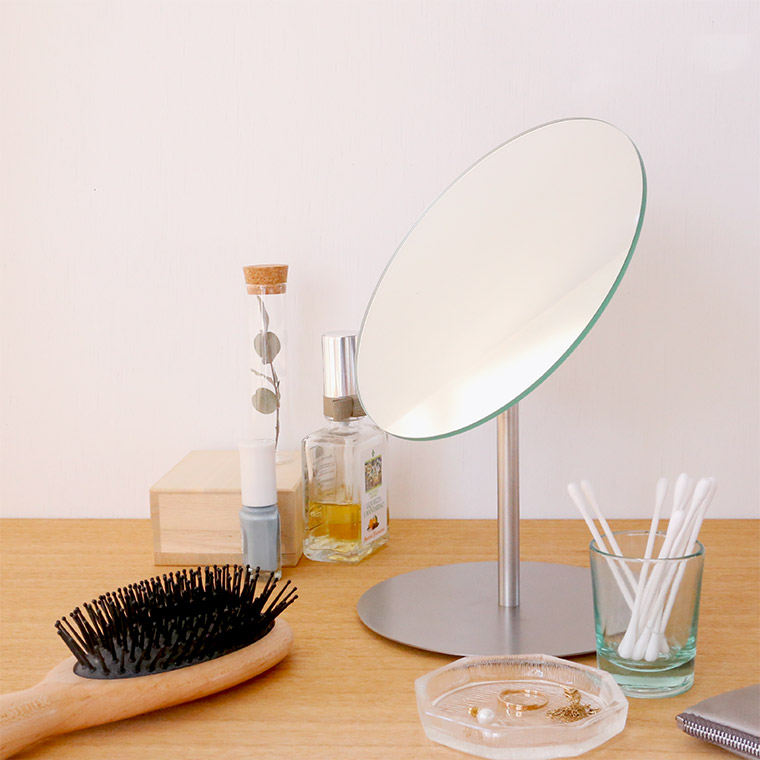 BP. MAKEUP MIRROR
